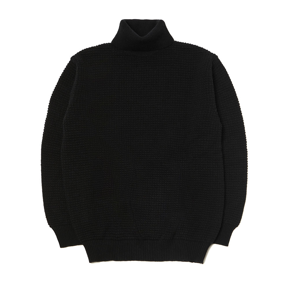 [맨인정글]  Ridge Waffle Texture Turtle-neck Sweater - Black